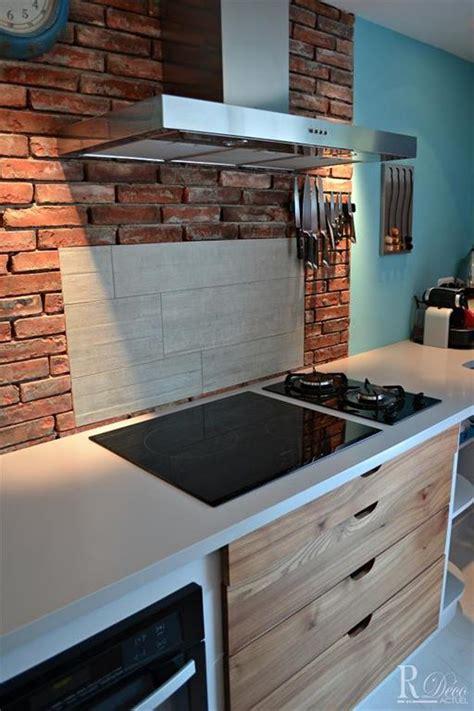 brique cuisine crédence de cuisine en briques rouges kitchens
