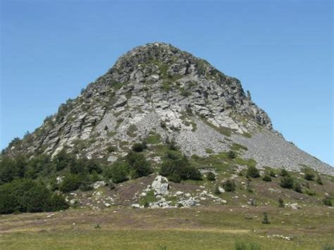le mont gerbier de jonc le mont gerbier de jonc et les sources de la loire sainte eulalie 07 07510 http bit ly xjo0nm