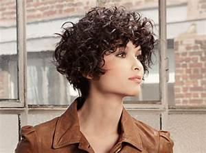 Coupe Courte Frisée Femme : cheveux frises tendance 2012 2013 moderne des coiffures pour nous ~ Melissatoandfro.com Idées de Décoration