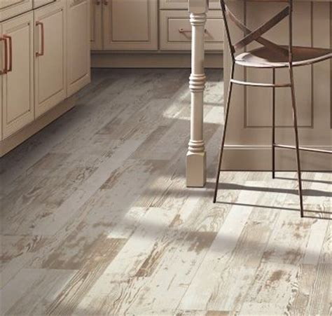 Laminate Floors: Mohawk Laminate Flooring   Chalet Vista
