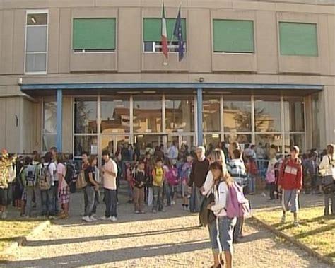 ufficio scolastico pistoia scuola ok a graduatorie e nomine lavoro firenze