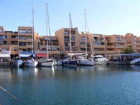 bel appartement sur la marina du port de bormes les mimosas var abritel