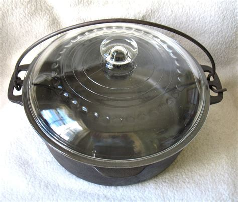 vintage cast iron dutch oven  quart   glass lid