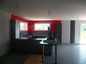 peindre une chambre en gris et blanc chambre moderne With peinture mur rouge et gris