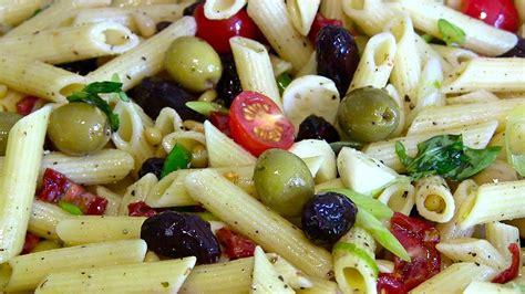 Nudelsalat-italienischer-mediterraner Nudelsalat-italienische Pasta Fredda