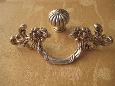 Country Kitchen Drawer Pulls by Country Kitchen Cabinet Handle Pull Antique
