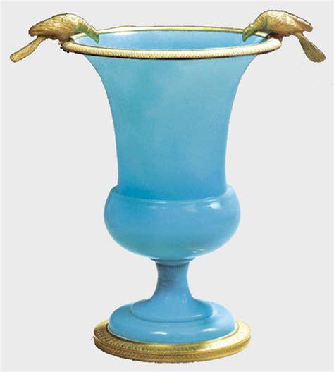 verre de le opaline opaline blanche bleue un verre tout en nuances antiquit 233 s catalogue