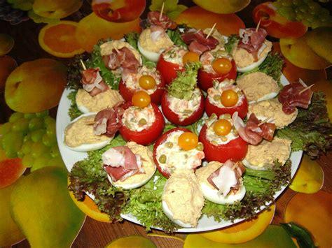 decoration d oeufs durs entr 233 e froide et rapide tomates farcies mac 233 doine et oeufs mimosa le de b 233 a et fr 233 d 233