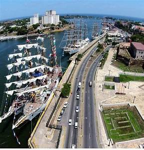 16 Photographs from Dominican Republic taken by a flying drone [16 Fotos De Republica