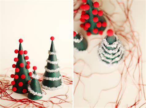 diy modern christmas tree decorations alyssa  carla