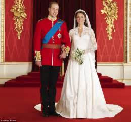 costume mariage hugo royal wedding pictures the official royal wedding album suggests kate and william 39 s future will