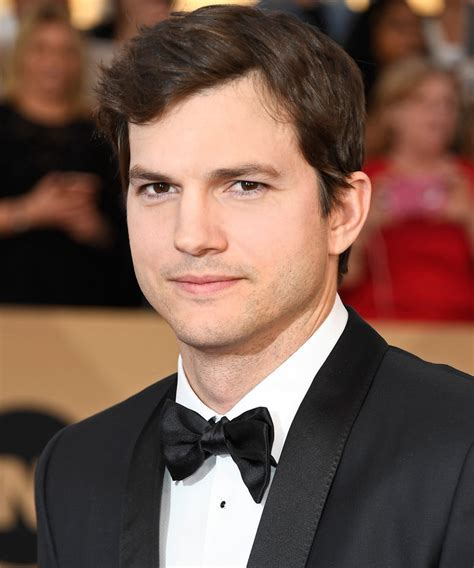 Ashton Kutcher Surprises More Than 700 High School