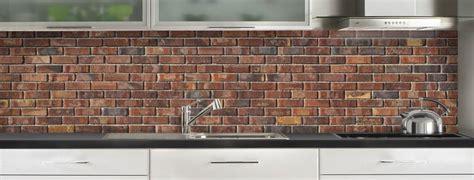 cuisine brique crédence de cuisine briques anciennes rouges c