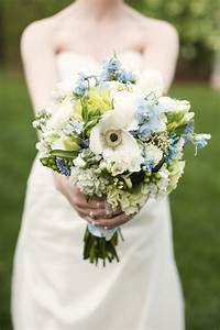 Light Blue Wedding Bouquets for the Symbol of Unity and ...