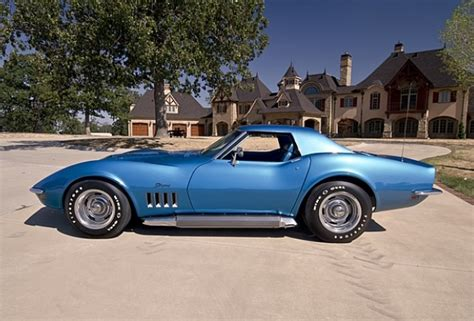 '69 Corvette Stingray With Side Exhaust
