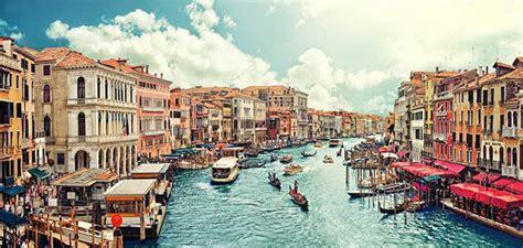 كيف بنيت مدينة البندقية موضوع
