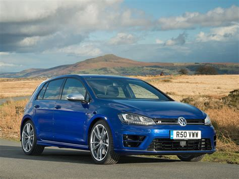 Providing a generous supply of torque, the golf with available automatic transmission doesn't just pass the test, it passes with flying colors. VOLKSWAGEN Golf VII R 5 Doors specs & photos - 2013, 2014 ...