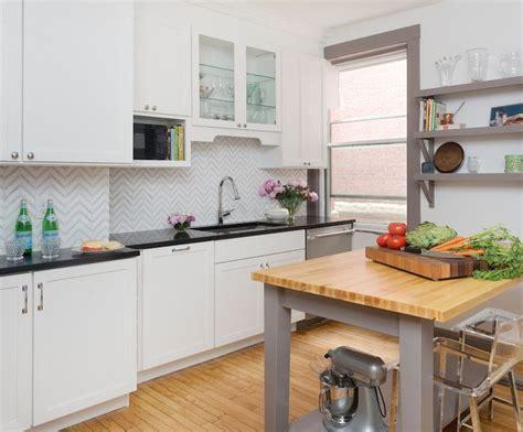 kitchen freestanding island 1000 images about freestanding kitchen island breakfast 1740
