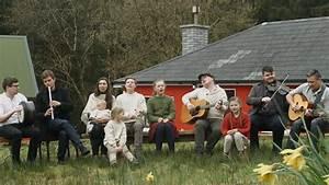 Haus Kaufen In Irland : goodbye deutschland die kellys kaufen sich ein haus in irland ~ Lizthompson.info Haus und Dekorationen