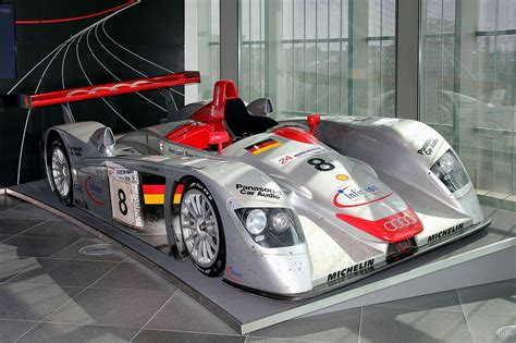 One of the elements that would lead to the audi r8's practical stranglehold on the various le mans series was its ease of maintenance. File:Audi R8 LMP, Le Mans 2000 (museum mobile 2013-09-03 ...