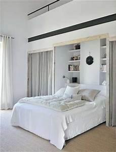 Dressing Autour Du Lit : d co chambre 10 dressing fut s dans la chambre parentale ~ Melissatoandfro.com Idées de Décoration