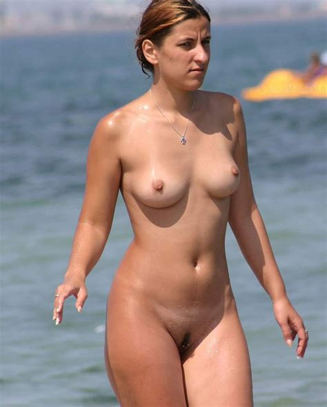 Gallery Totally Nude At The Beach Picture