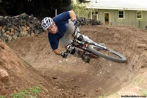 Lee Likes Bikes