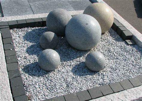 Garten Brunnen Figuren