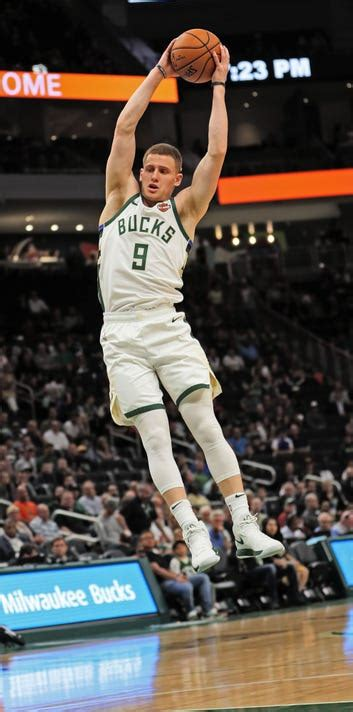 bucks rookie donte divincenzo  message   shooting