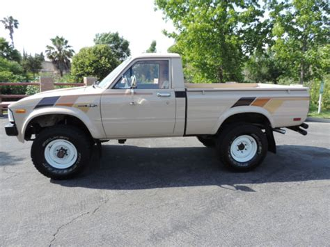 toyota pickup wd classic toyota    sale