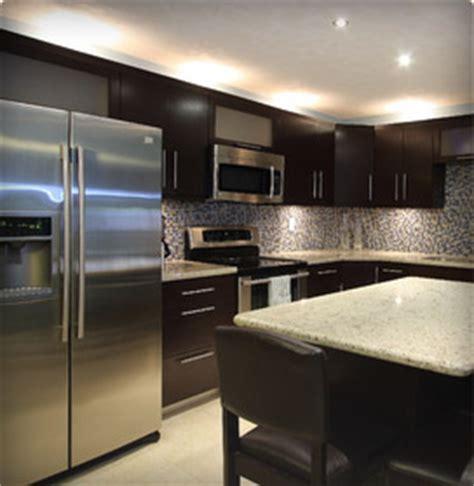 meuble cuisine cuisinella armoire de cuisine armoire de salle de bain meuble sur