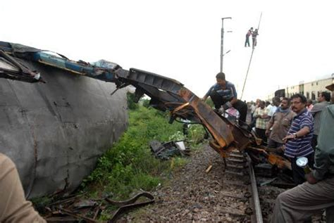 Pictures Of Chennai Train Accident