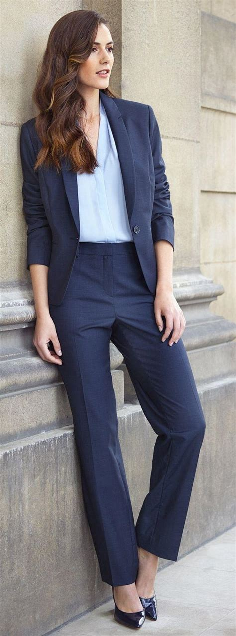 What are some different formal/semi formal wear for women? - Quora