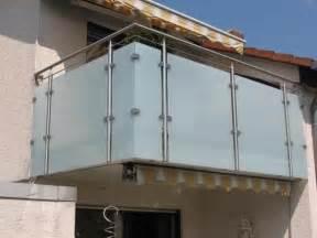 balkon platten balkonverkleidung balkon sichtschutz balkonplatten