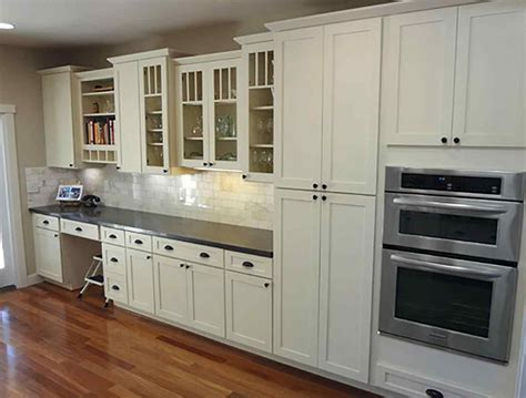 white shaker kitchen cabinets lowes deductour