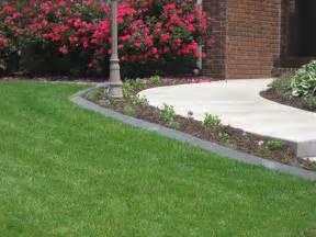 Landscaping Sidewalk Borders