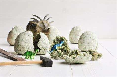 kindergeburtstag spiele für 4 jährige selbst gemachte dino eier zum ausgraben forscher dino ei dino kost 252 m kinder und salzteig