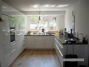 Küche Weiß Hochglanz L Form : k che hochglanz weiss ohne griff mit holz die neuesten innenarchitekturideen ~ Bigdaddyawards.com Haus und Dekorationen