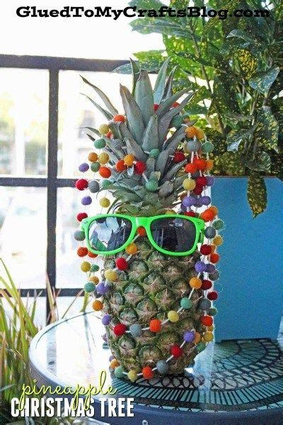 quirky idea  floridians pineapple christmas tree