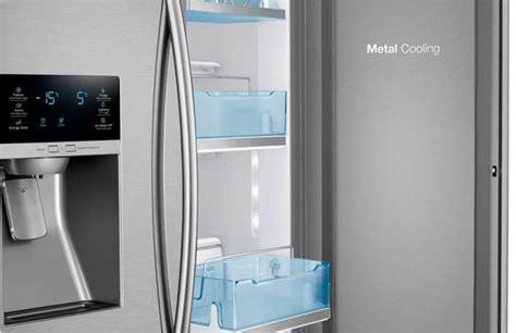 Samsung 27.8 cu. ft. Food Showcase French Door