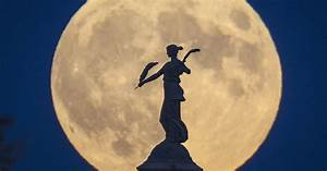 Moon Over Des Moines  Nearest Full Moon Since 1948 Will