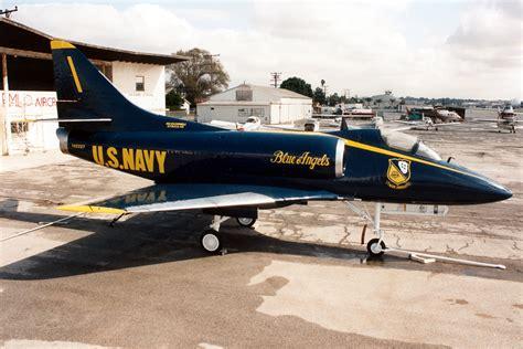 Douglas A-4A Skyhawk specifications and photos