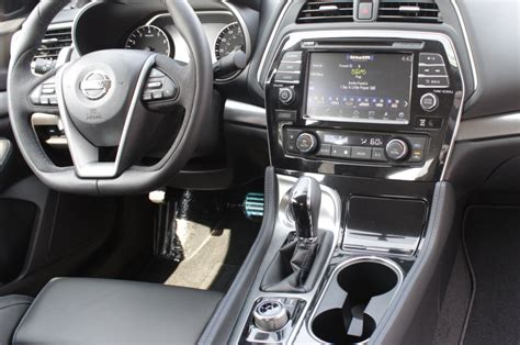 2016 Nissan Maxima Interior by 2016 Nissan Maxima A Luxury Sedan Without The Luxury