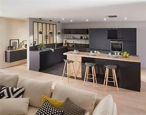 cuisine equipee moderne nos modeles preferes salons With meuble 9 cases blanc 19 tabouret de bar noir