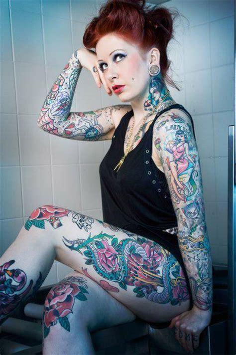 fotos de lindas mulheres tatuadas