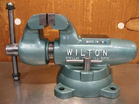 nice jaw width vise wilton  restore  garage