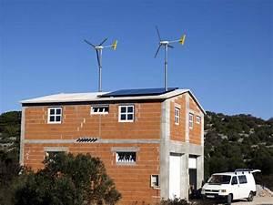 Windkraftanlagen Für Einfamilienhäuser : windrad auf dem dach eines einfamilienhauses ~ Udekor.club Haus und Dekorationen