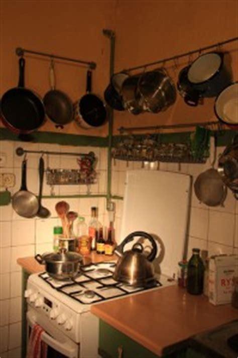 accroche ustensiles de cuisine barre de cuisine pour gagner de la place dans votre cuisine