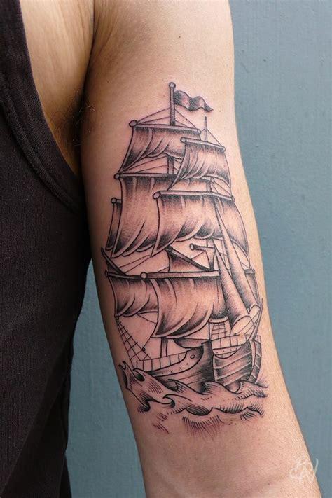 tatouage de les 25 meilleures id 233 es de la cat 233 gorie ombrage de tatouage sur 3 roses tatouage