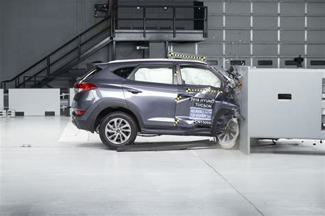 Safe Small Suvs by Some Small Suvs May Stint Front Passengers On Safety Iihs